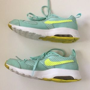 NIKE AIR MAX Muse green and yellow athletic shoes